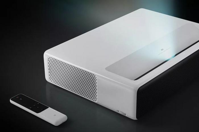 Xiaomi выпустила лазерный проектор на 150 дюймов за $ 2000